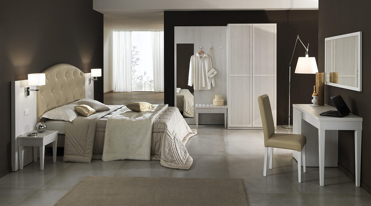 04 Baltic Pine Room